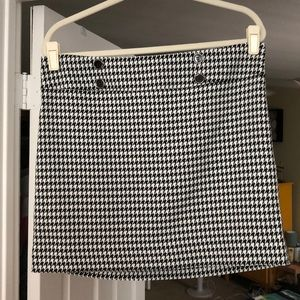 The Limited mini black and white houndstooth skirt